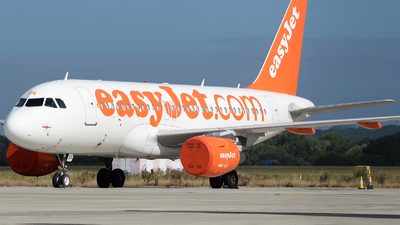 A picture of GEZAN - Airbus A319111 - easyJet - © David Oates