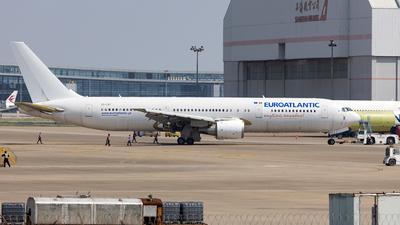 A picture of CSTKT - Boeing 76736N(ER) - EuroAtlantic Airways - © zwzhou
