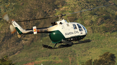 HU.15-20 - MBB Bo105CB - Spain - Guardia Civil