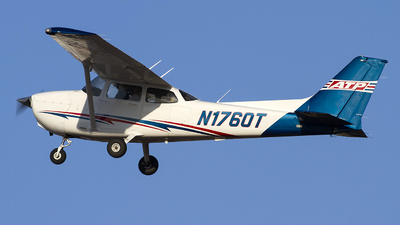 N1760T - Cessna 172S Skyhawk - Airline Transport Professionals
