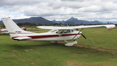 VH-SQZ - Cessna 182G Skylane - Private