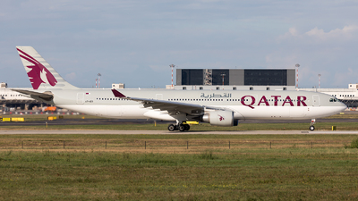 A7-AEO - Airbus A330-302 - Qatar Airways