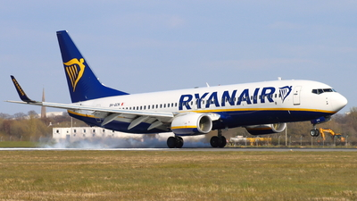 A picture of 9HQCN - Boeing 7378AS - Ryanair - © Fraser Murdoch