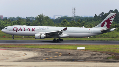 A7-AEN - Airbus A330-302 - Qatar Airways