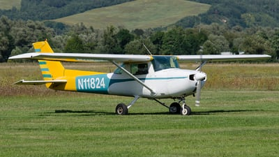 A picture of N11824 - Cessna 150L - [15075652] - © Hubay Andor