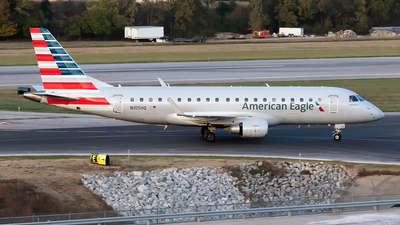 A picture of N105HQ - Embraer E175LR - American Airlines - © Felipe García