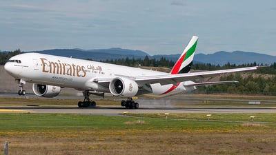 A6-ENT - Boeing 777-31HER - Emirates