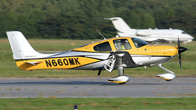 N660MK - Cirrus SR22T-GTS Carbon - Private