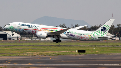 A picture of XAADL - Boeing 7879 Dreamliner - Aeromexico - © Cristobal  R. Spotter