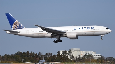 A picture of N226UA - Boeing 777222(ER) - United Airlines - © Akihiko Takahashi