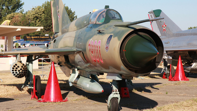 1900 - Mikoyan-Gurevich MiG-21bis SAU Fishbed N - Hungary - Air Force