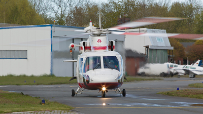 A picture of DHOSF - SikorskyS76B - Wiking Helikopter Service - © Fabian Luehrs