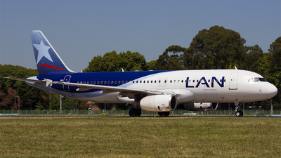 LV-BFY - Airbus A320-233 - LAN Argentina