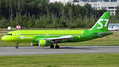 A picture of VPBCZ - Airbus A320214 - S7 Airlines - © Ivan Goreza