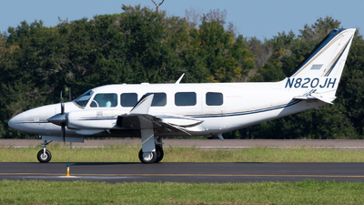 N820JH - Piper PA-31-350 Navajo Chieftain - Private
