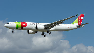 A picture of FWWYD - Airbus A330 - Airbus - © Ramon Jordi