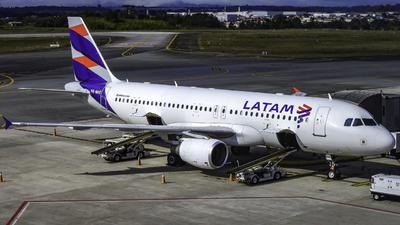 PR-MHE - Airbus A320-214 - LATAM Airlines