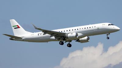 A6-KAH - Embraer 190 Lineage 1000 - Royal Jet