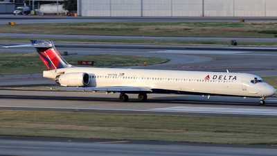 N947DN - McDonnell Douglas MD-90-30 - Delta Air Lines