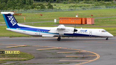 A picture of JA853A - De Havilland Canada Dash 8400 - All Nippon Airways - © H.Hayashi