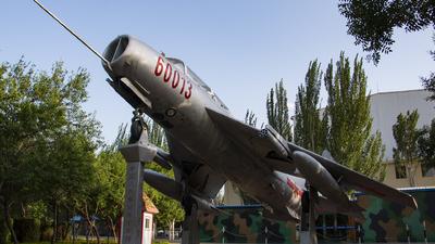 60013 - Shenyang JJ-6 - China - Air Force