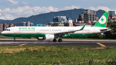 A picture of B16215 - Airbus A321211 - EVA Air - © Jhang yao yun