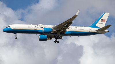 09-0017 - Boeing C-32A - United States - US Air Force (USAF)