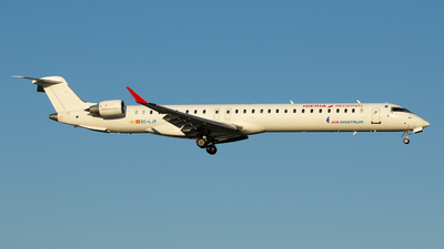 A picture of ECLJT - Mitsubishi CRJ1000 - Iberia - © António Jorge Oliveira