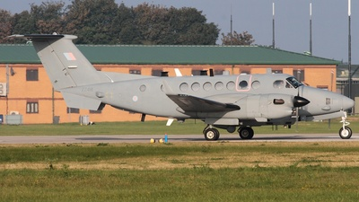 ZZ418 - Beechcraft 350ER Shadow R.1 - United Kingdom - Royal Air Force (RAF)