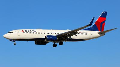 A picture of N3740C - Boeing 737832 - Delta Air Lines - © Daniel Klein