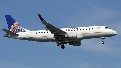 A picture of N752YX - Embraer E175LR - United Airlines - © Xiamen Air 849 Heavy