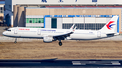 B-8561 - Airbus A321-211 - China Eastern Airlines