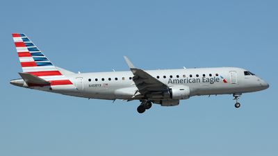 A picture of N408YX - Embraer E175LR - American Airlines - © Arno Vesterholm