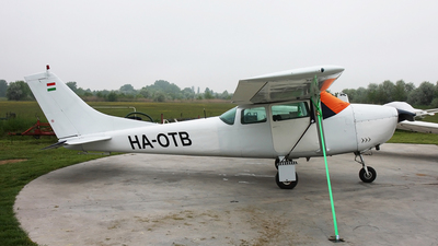 HA-OTB - Cessna 182F Skylane - Private