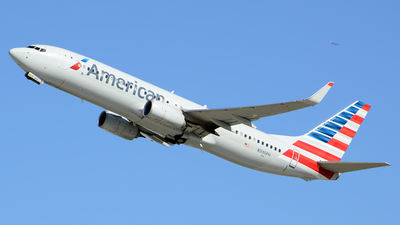 N335PH - Boeing 737-823 - American Airlines