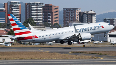 A picture of N324RA - Boeing 737 MAX 8 - American Airlines - © Brian Boche