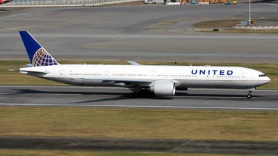 A picture of N2341U - Boeing 777322(ER) - United Airlines - © Alvin Ho - AHKGAP