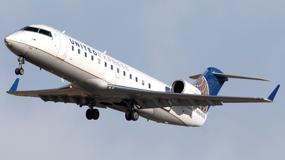N964SW - Bombardier CRJ-200ER - United Express (SkyWest Airlines)
