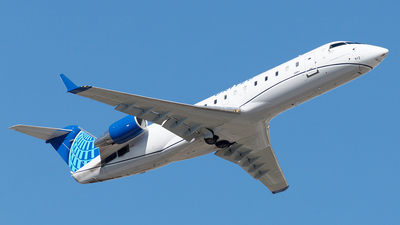 A picture of N912EV - Mitsubishi CRJ200LR - United Airlines - © Yixin Chen