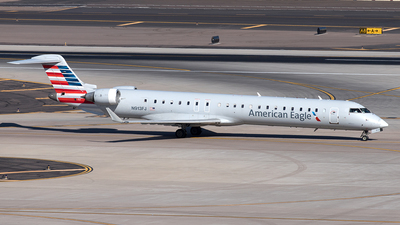 A picture of N913FJ - Mitsubishi CRJ900ER - American Airlines - © Yixin Chen
