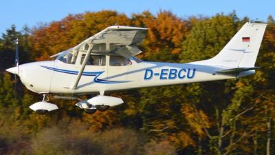 A picture of DEBCU - Cessna F172H Skyhawk - [F1720642] - © Alex Herbort