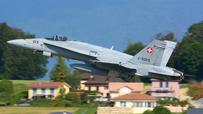 J-5013 - McDonnell Douglas F/A-18C Hornet - Switzerland - Air Force