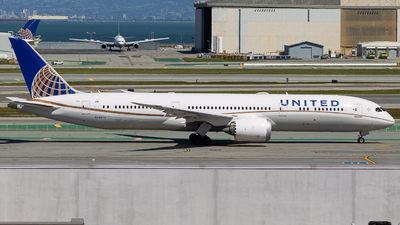 A picture of N24974 - Boeing 7879 Dreamliner - United Airlines - © klaxaviator