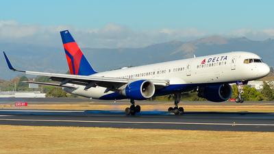 N6715C - Boeing 757-232 - Delta Air Lines