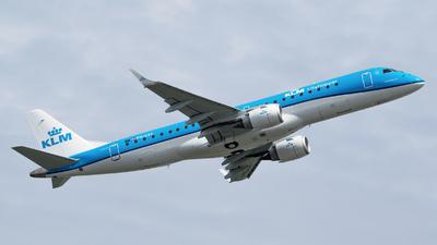 A picture of PHEXY - Embraer E190STD - KLM - © RAFAL KUKOWSKI