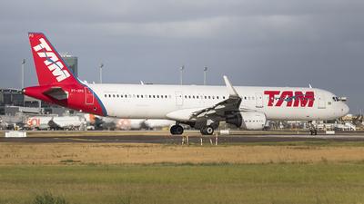 PT-XPO - Airbus A321-211 - TAM Linhas Aéreas