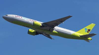 HL7734 - Boeing 777-2B5(ER) - Jin Air