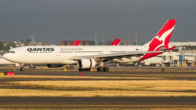 A picture of VHQPA - Airbus A330303 - Qantas - © LuftTaube