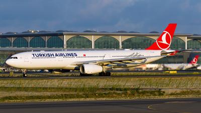 A picture of TCLOK - Airbus A330343 - Turkish Airlines - © Ömür Sadikoglu