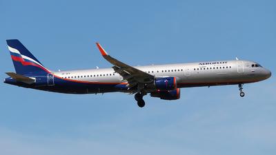 A picture of VPBFF - Airbus A321211 - Aeroflot - © Mikhail Tkachuk